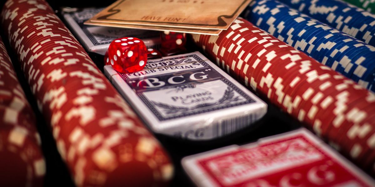 Live Casino Online – The New Face Of Gaming Or Just Another Trend?
